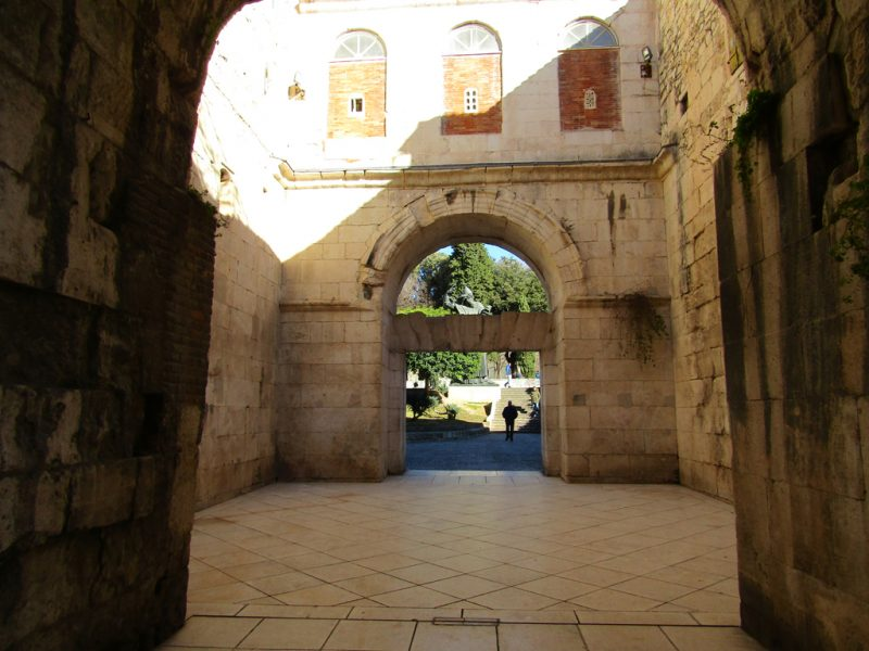 Golden Gate is one of the main sites in Diocletian's Palace. Therefore Split Croatia Travel Guide included it.