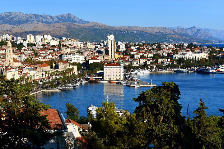 Split is the largest croatian coastal town